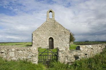 outside image of St Mary's, Tal-y-Llyn