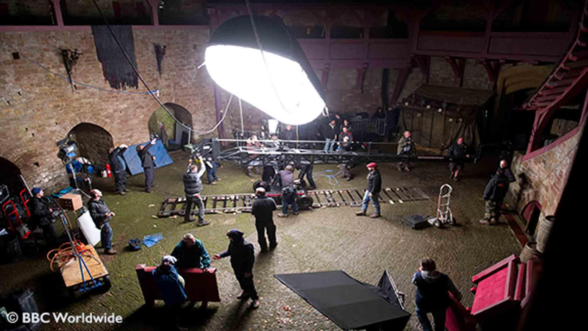Ffilmio yng Nghastell Coch / Filming at Castell Coch
